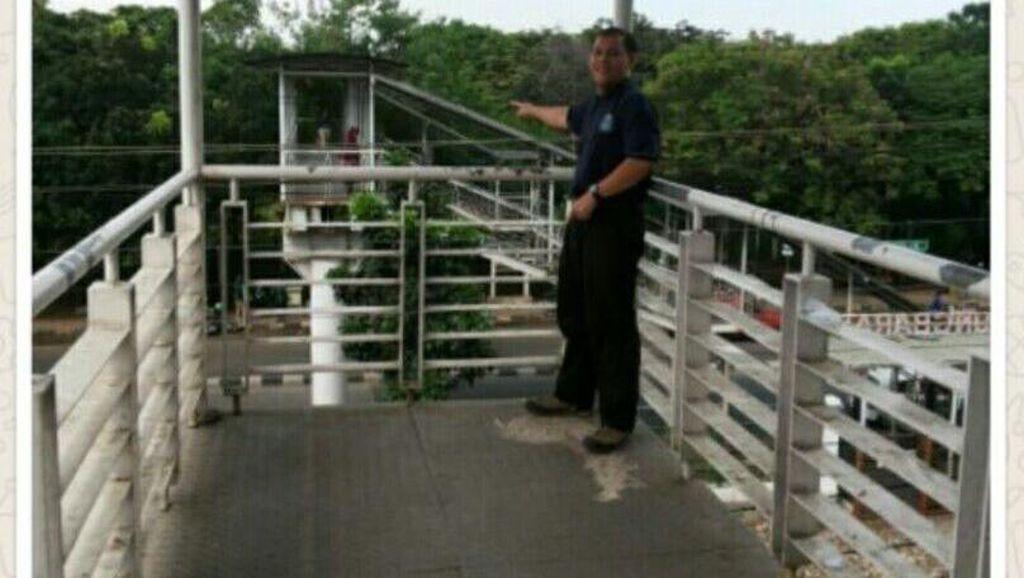 Nyeberang di JPO Tanjung Barat Bayar Rp 2 Ribu Plus Menunggu 3 Menit