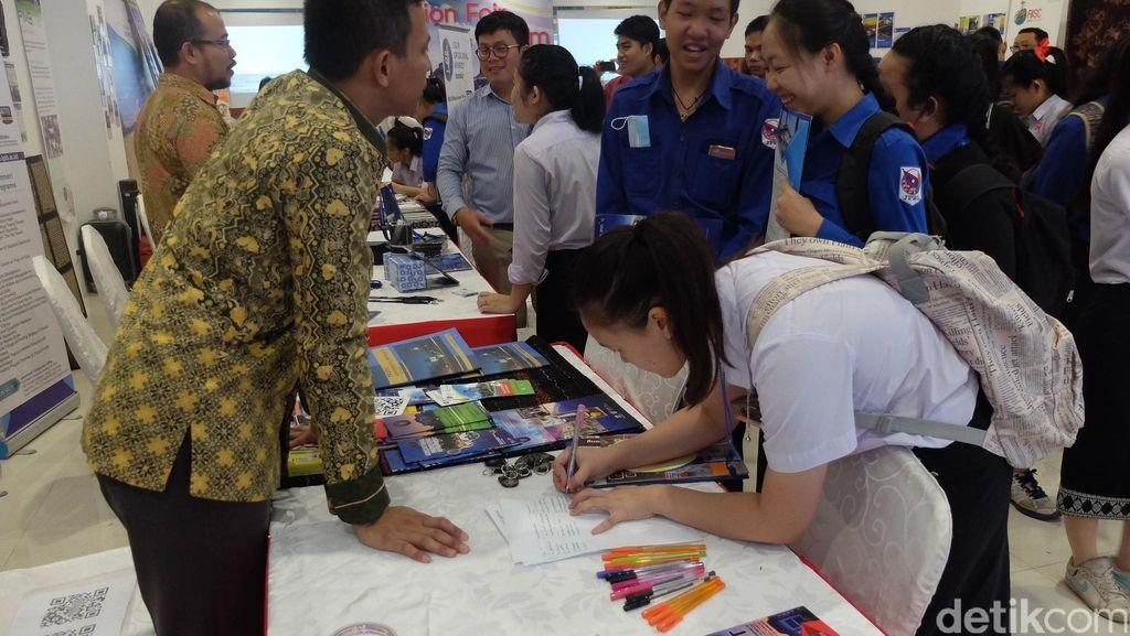 Summer Course Jadi Senjata Agar Pelajar Laos Mengenal Indonesia