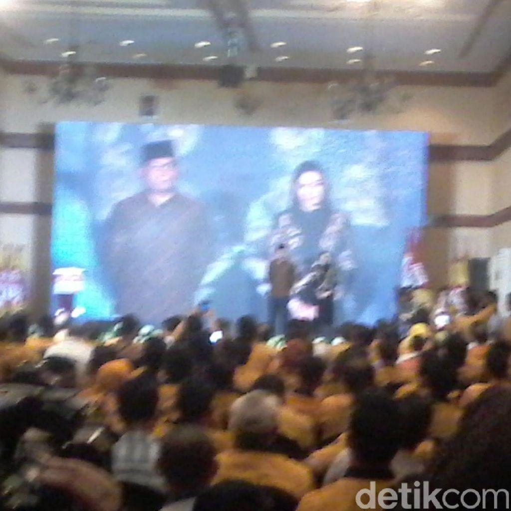 Pemuda Hanura Beri Penghargaan untuk Ridwan Kamil dan Rita Widyasari