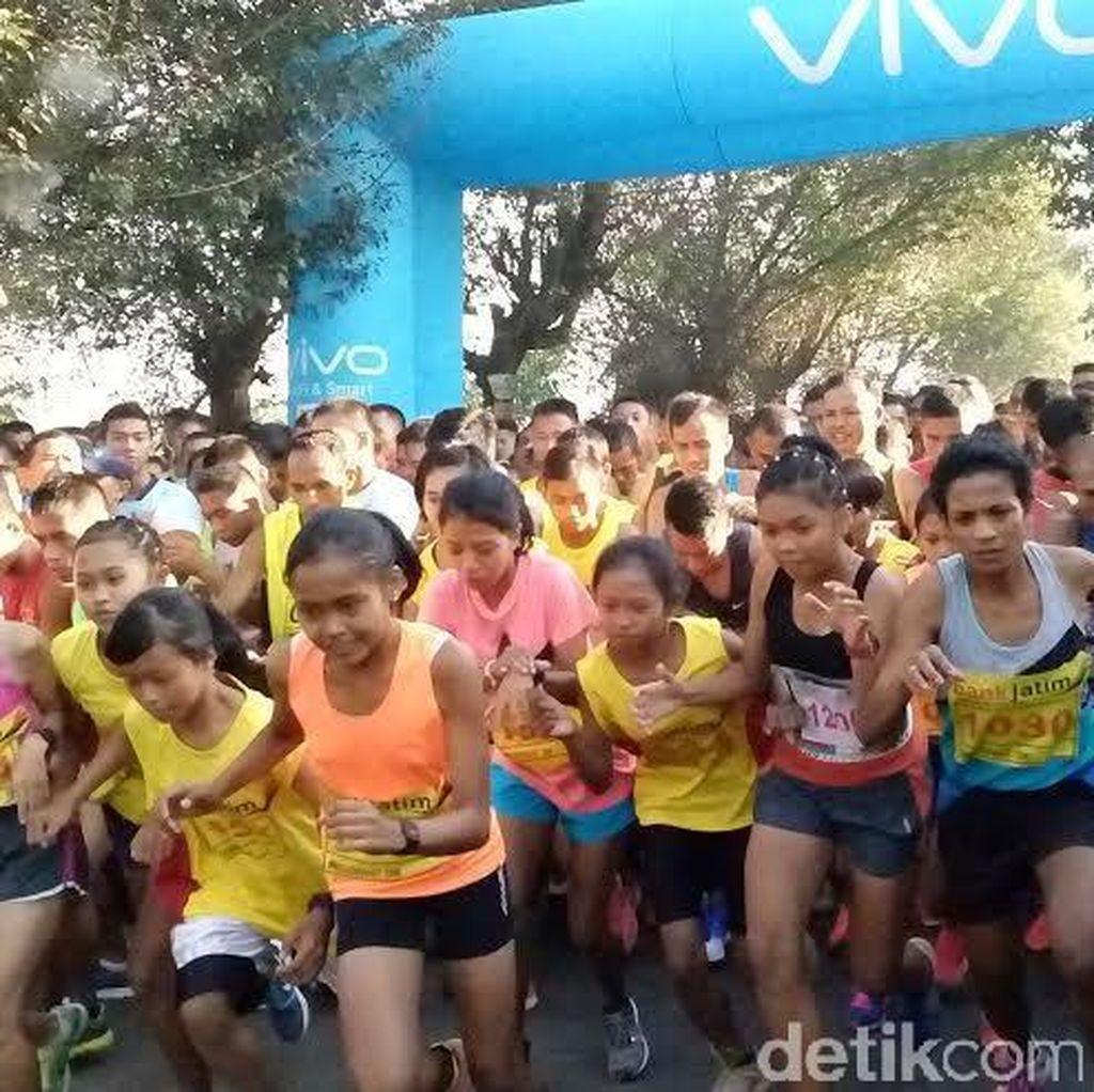 Lomba Lari Sambil Nikmati Situs Sejarah Majapahit