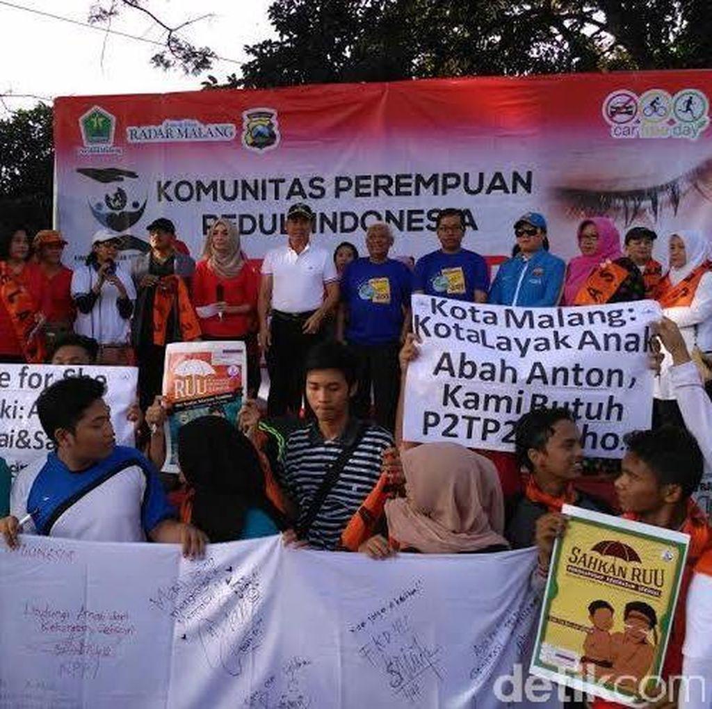 Ibu-Ibu di Kota Malang Deklarasi Anti Kekerasan Anak dan Perempuan