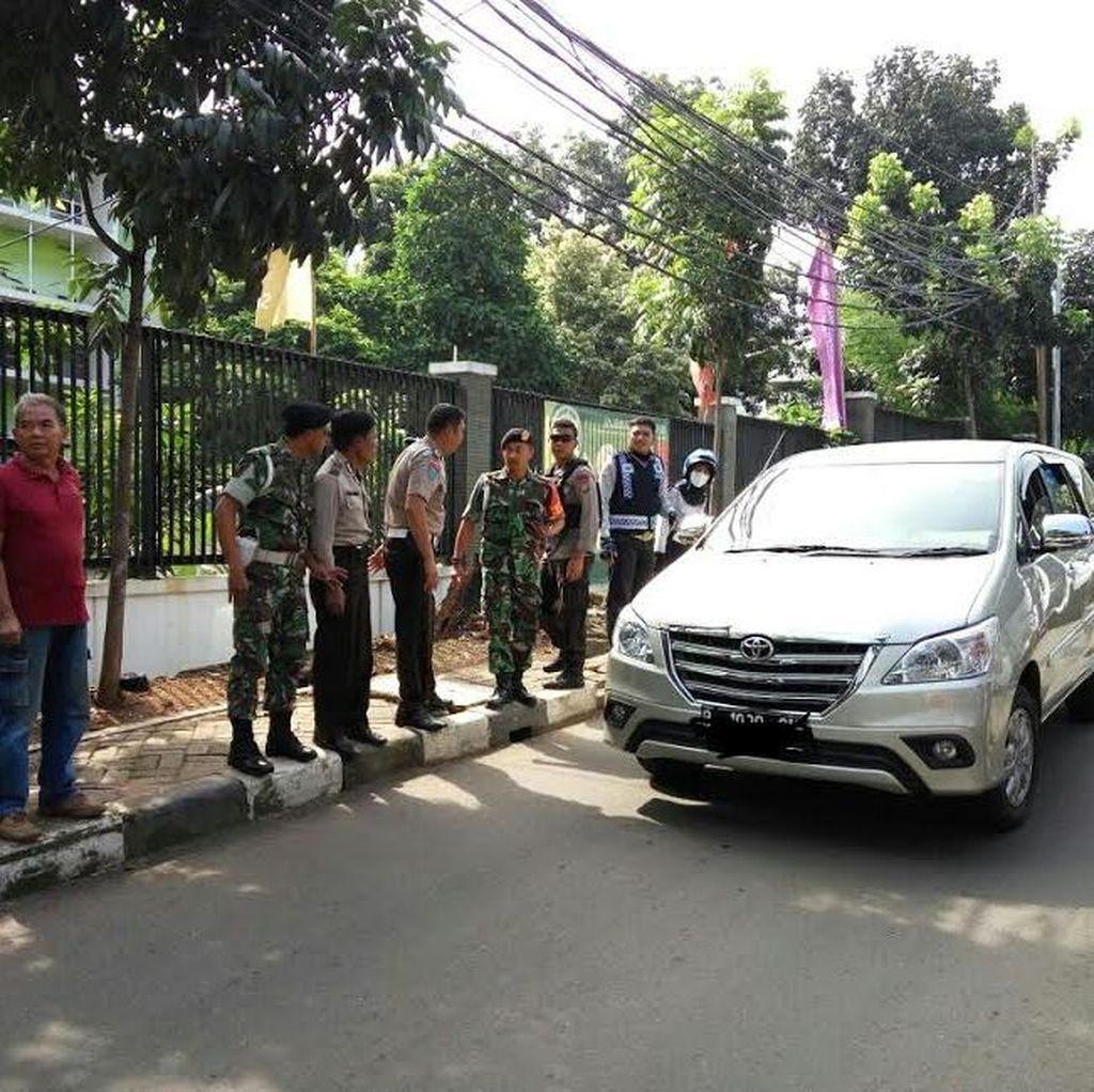 Polisi Berpangkat Bripka Tak Terima Ban Mobilnya Dikempeskan Petugas Dishub Jaksel