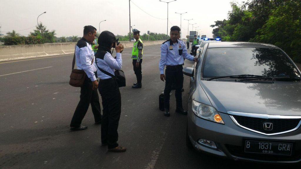 Perwira TNI AL Ditemukan Meninggal di Tol Cakung