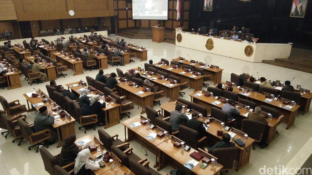 Gubernur Aher Usul Perda Gelar Kehormatan Bagi Warga Jabar Berprestasi