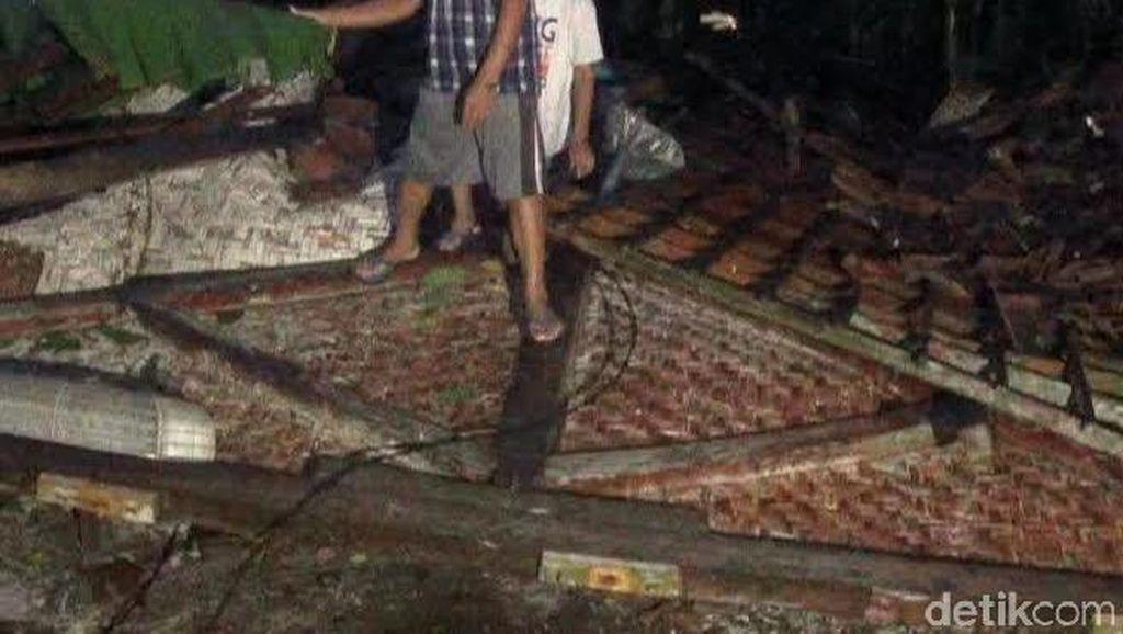 Puting Beliung Terjang 3 Desa di Blitar