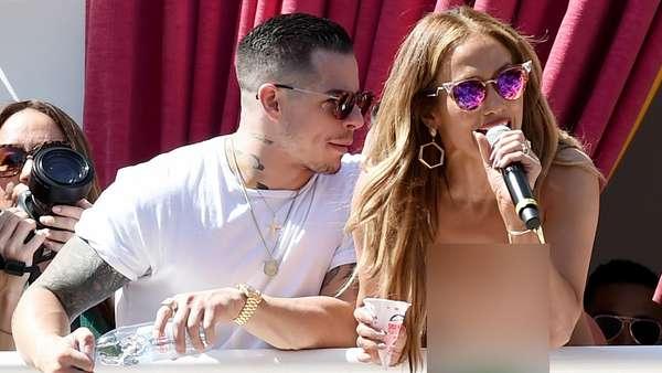 Jennifer Lopez Seksi Party Bareng Pacar