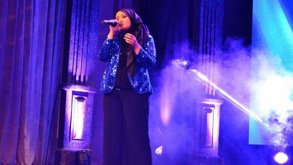Diplomat Muda Indonesia Ini Memukau di Kontes Bernyanyi di Bulgaria