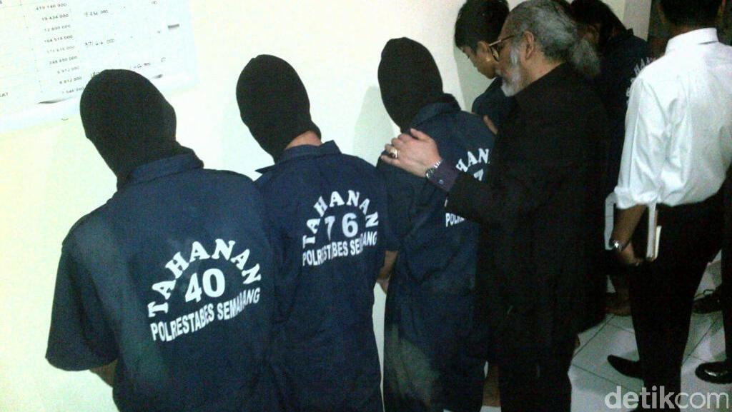 Anggota Gang Rape yang Setubuhi Siswi SD Menangis Minta Ampun