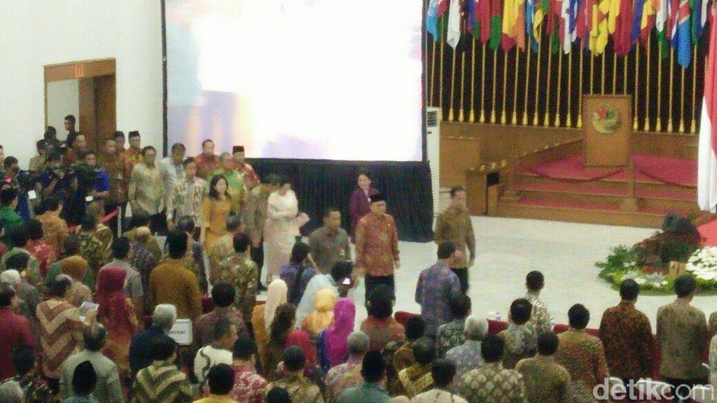 Jokowi Datang di Peringatan Hari Lahir Pancasila, Dikawal Megawati dan Boediono
