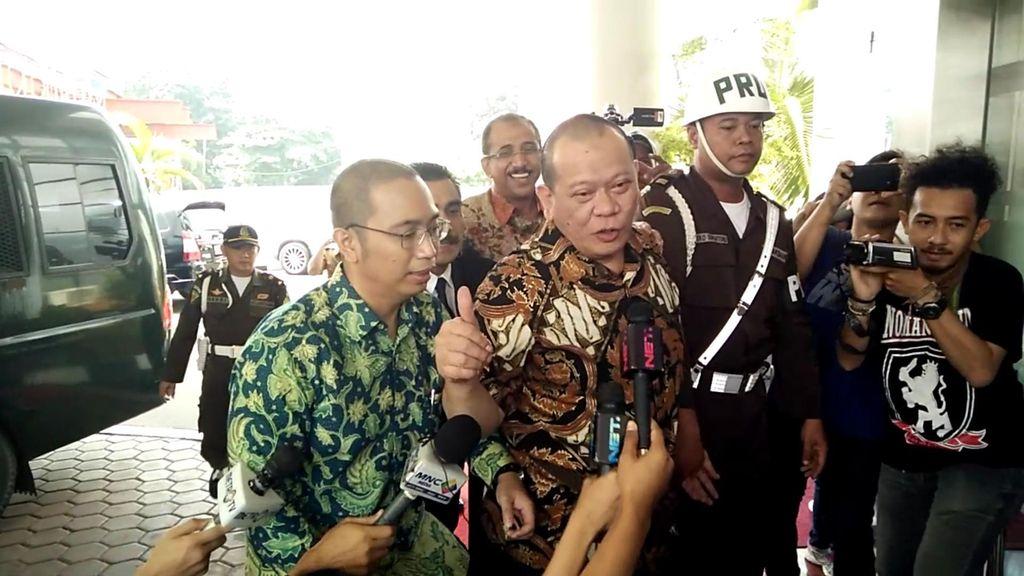 La Nyalla Diperiksa di Kejagung, Jaksa: Sidangnya Tetap di Surabaya