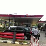 Harga Premium Per Oktober Turun Rp 300/Liter, Solar Naik Rp 500-600/Liter