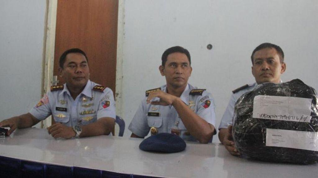 Paket 1,5 Kg Diduga Ganja Ditemukan di Bandara Adisutjipto Yogyakarta