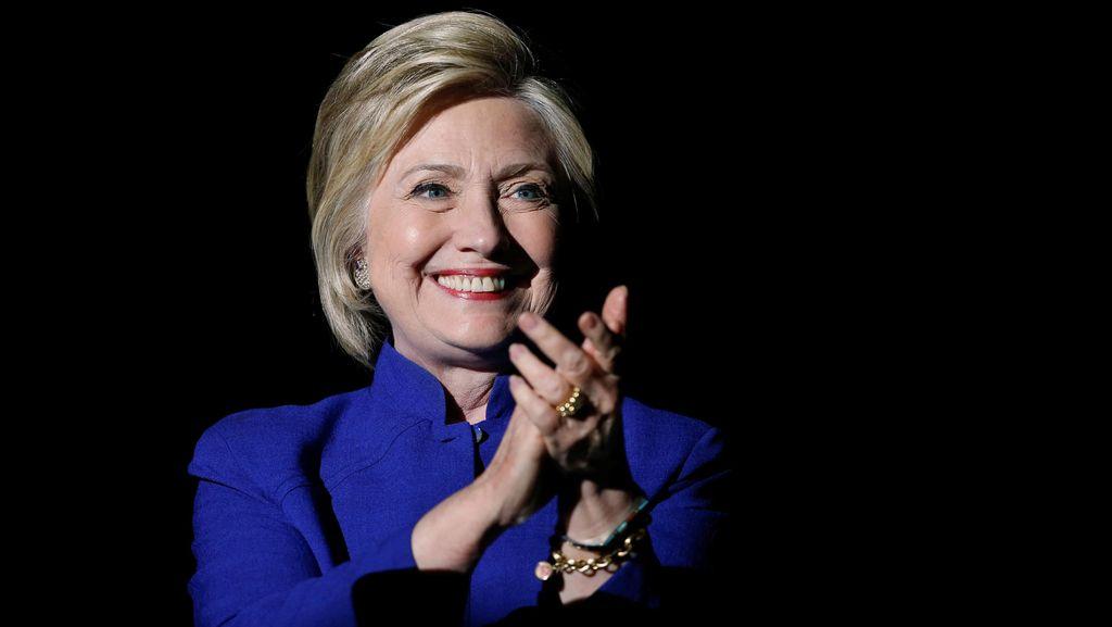 Hillary Clinton Bersumpah Takkan Mengalah Dalam Kampanye Pilpres