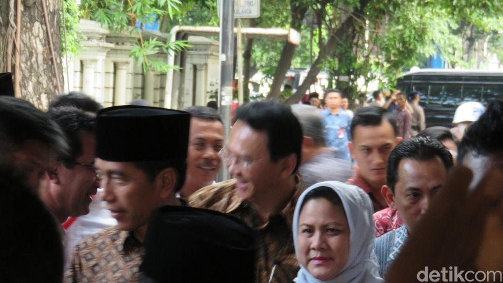 Jokowi Tiba di Haul Taufiq Kiemas Disambut Ahok