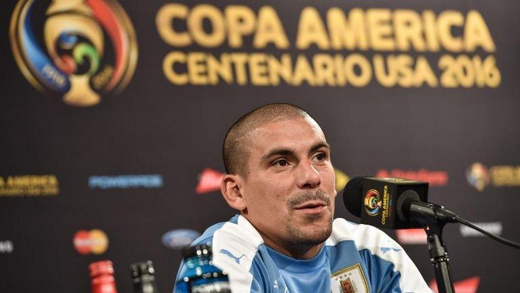 Maxi Pereira di Ambang Rekor Baru Timnas Uruguay