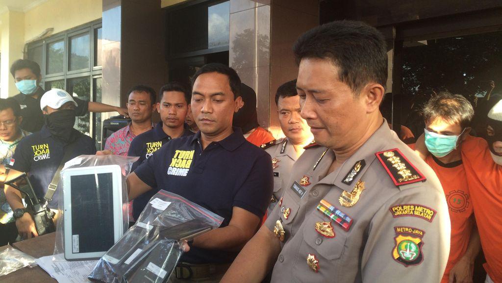 Belanja Pakai Kartu ATM Hasil Curian, Sofian Dibekuk Polisi