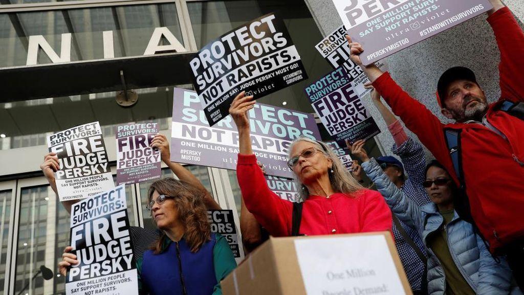 Kisah Brock Turner dan Marahnya Publik AS karena Pemerkosaan Disepelekan