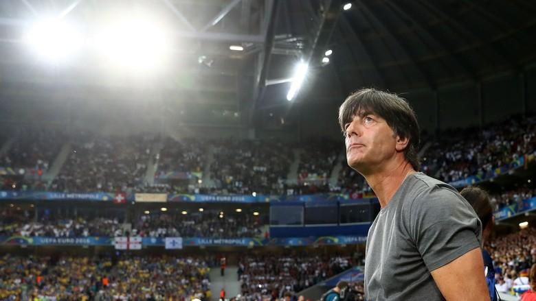 Loew Tak Tertarik Tangani Klub Bundesliga