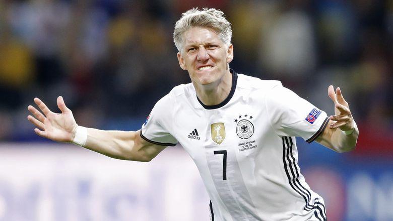 Acara Perpisahan Schweinsteiger Kurang Di Minati Publik Jerman