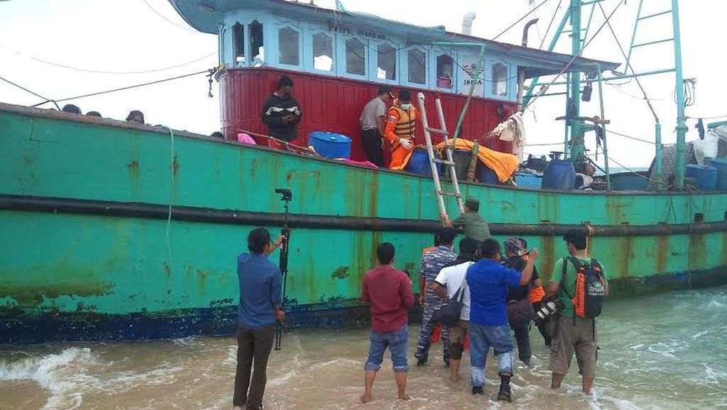 Terkait Keberadaan Warga Etnis Tamil, Imigrasi: Biarkan Saja Mereka di Kapal