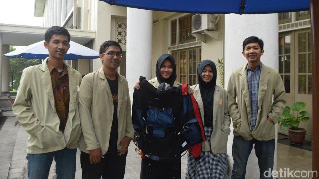 Top! Mahasiswa UGM Ciptakan Jaket Pijat Otomatis untuk Pendaki