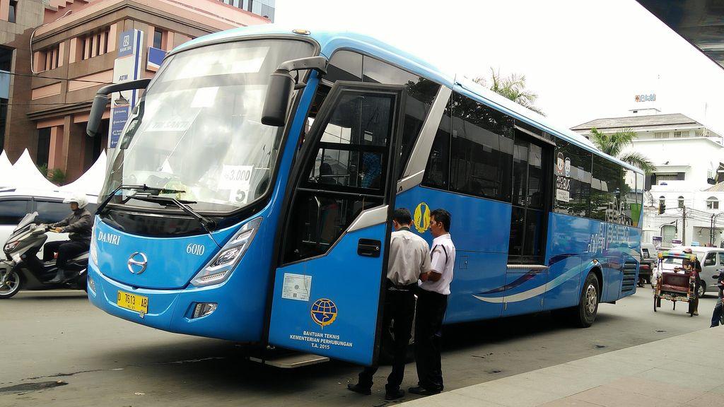 Pemkot Bandung Wacanakan Pendakwah Tampil Dalam Bus DAMRI