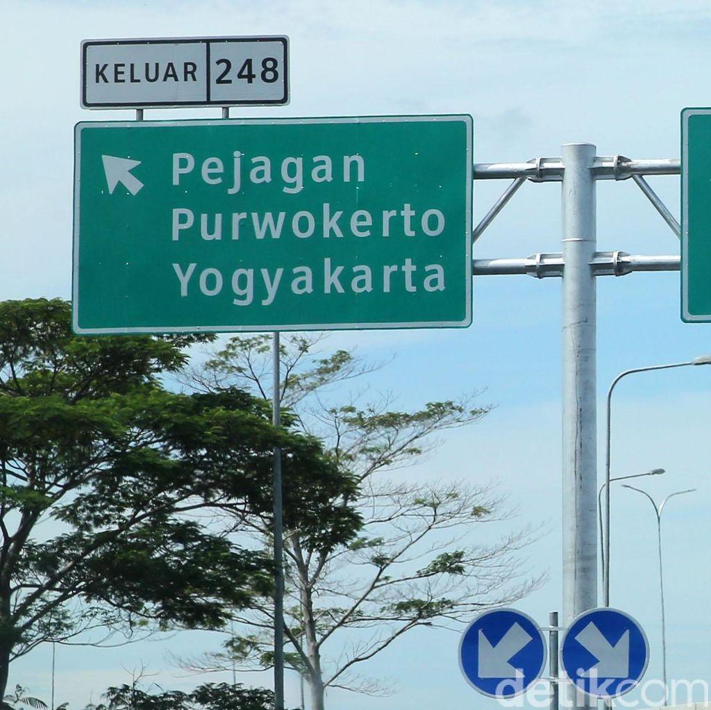 Harap Sabar, Antrean Gerbang Tol Pejagan Mengular 11 Km