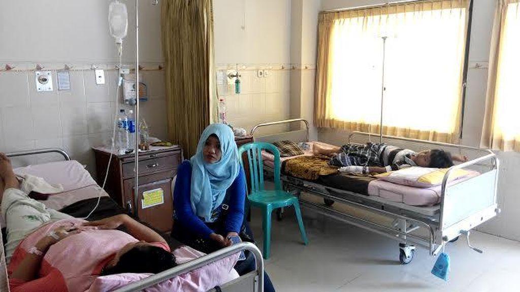 Keracunan Takjil, Satu Keluarga Dirawat Intensif di Rumah Sakit