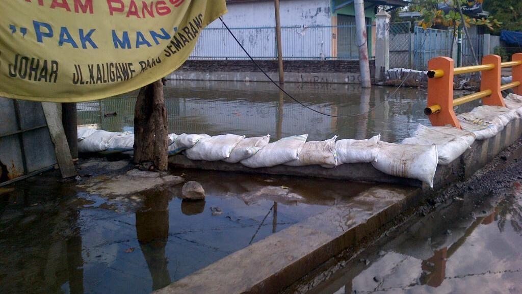 Banjir Rob di Pantura Semarang, Ganjar Telepon Menteri PU Minta Bantuan