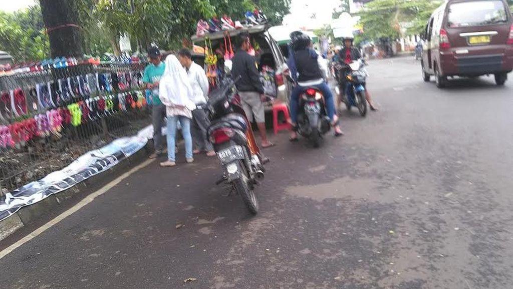 Melihat PKL Bermobil Tetap Eksis di Jl Diponegoro Bandung