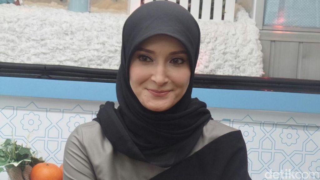 Inneke Koesherawati Kena Protes Karena Syuting Lagi