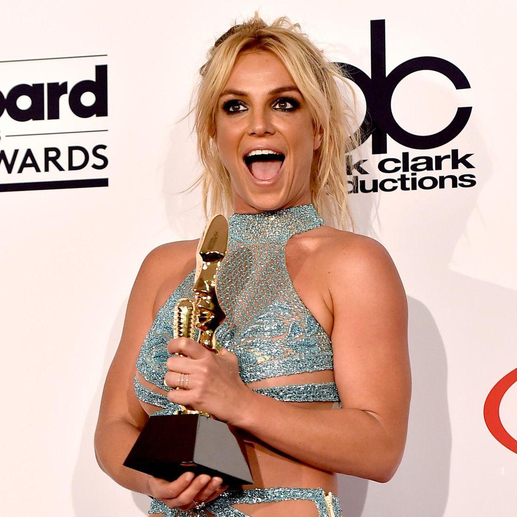 <i>Ngeri</i>! Britney Spears Hampir Tenggelam di Hawaii