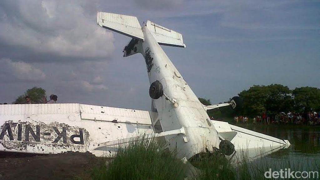 Pilot dan Kopilot Pesawat Latih yang Jatuh Menancap di Demak Alami Luka Lecet