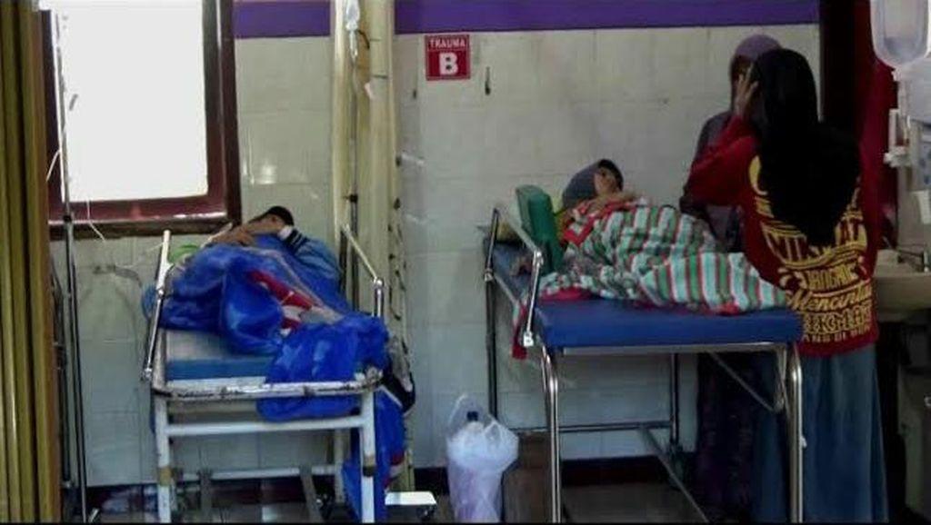 Puluhan Santri Diduga Keracunan Dirawat di Puskesmas