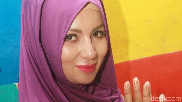 Biasa Seksi, Five V Berhijab saat Ramadan