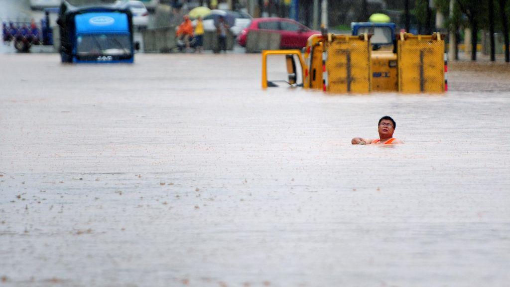 Tak Tanggap Hadapi Banjir, Pemerintah China Dikritik Warganya