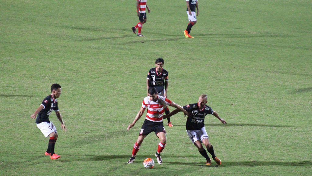 Madura United vs Bali United Berakhir Tanpa Gol