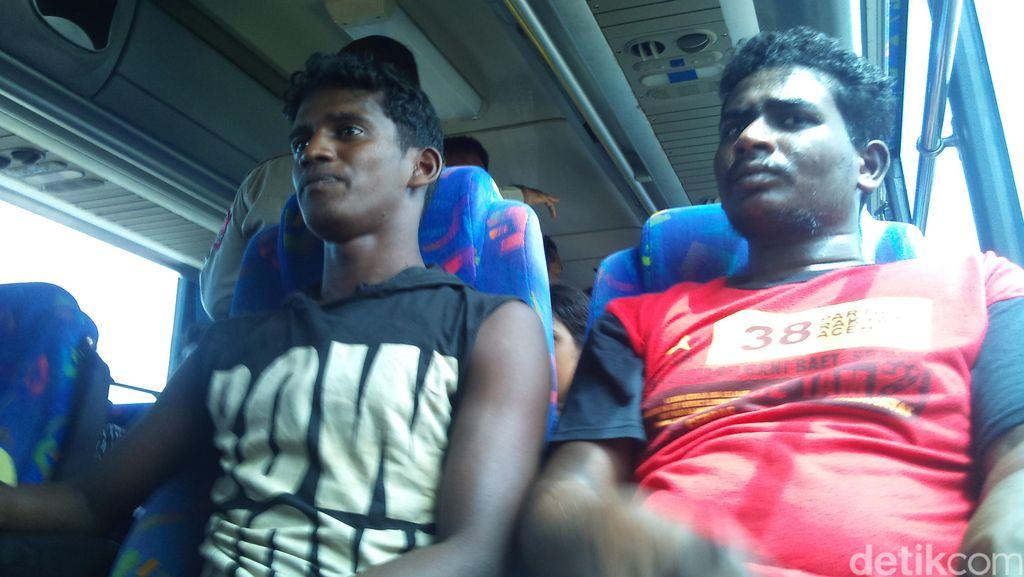 11 Hari Terdampar di Pantai Aceh, 43 Warga Etnis Tamil Dibawa ke Penampungan