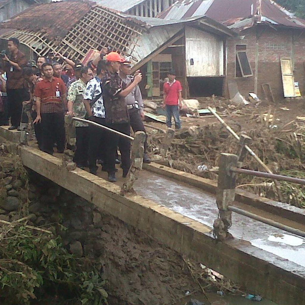 Didatangi Ganjar, Korban Banjir Banyumas Ngadu Tak Ada Bantuan Pemerintah