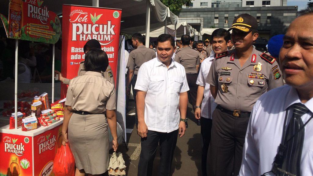 Bazar Sembako Murah di Polda Metro Jaya Diserbu Polisi