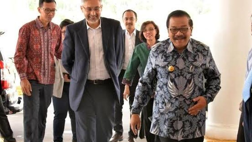 Gubernur Minta Spin Off Bank Jatim Syariah Ditunda, ini Tanggapan Direksi