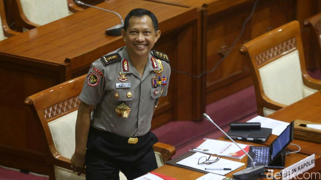 DPR Gelar Paripurna Bahas Calon Kapolri Komjen Tito Karnavian Pagi Ini