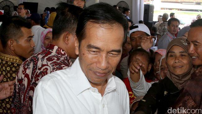 Presiden Jokowi Serahkan Zakat Rp 40 Juta Lewat Baznas di Istana
