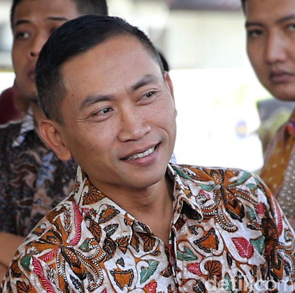 Disandingkan dengan Anies Baswedan Untuk Pilgub DKI, Ini Kata Bupati Yoyok