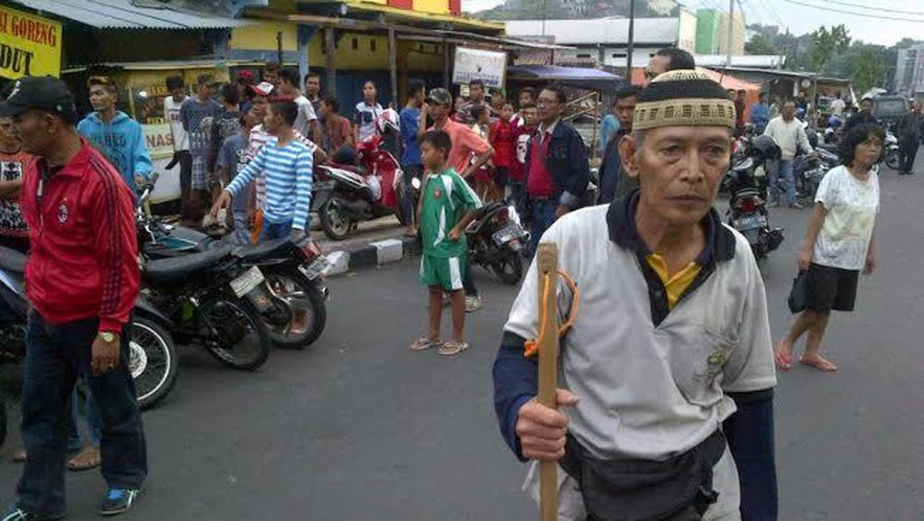 Kekhawatiran Keluarga Kakek Bertongkat yang Bubarkan Balap Liar di Semarang