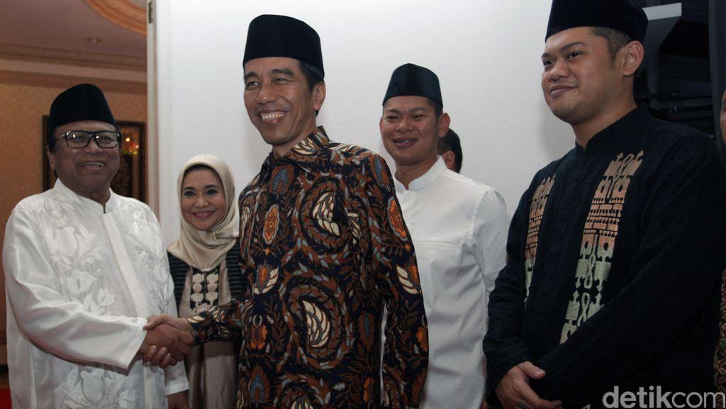 Jokowi Bukber di Kediaman Oesman Sapta