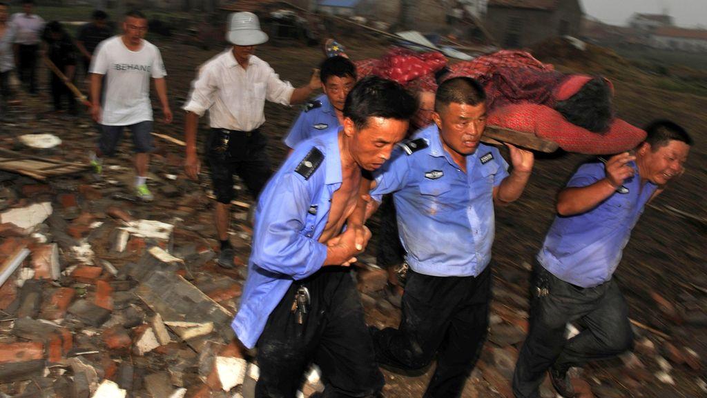 Tornado Landa Jiangsu China, 98 Orang Tewas