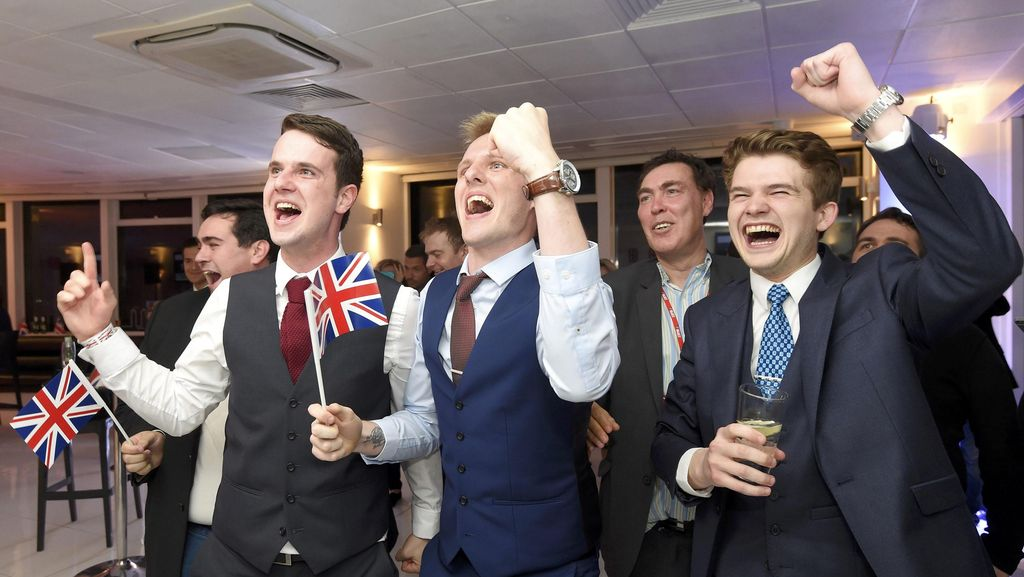 Suka Duka Warga Inggris Sambut Pengumuman Referendum