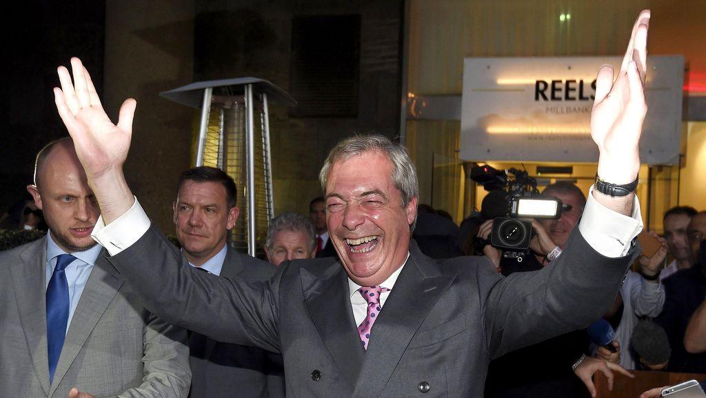 Penggerak Brexit Mengundurkan Diri dari Jabatan Pimpinan Partainya