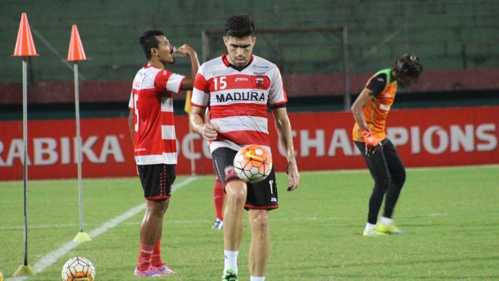 Madura United di Ambang Juara Paruh Musim, Fabiano: Kompetisi Masih Panjang